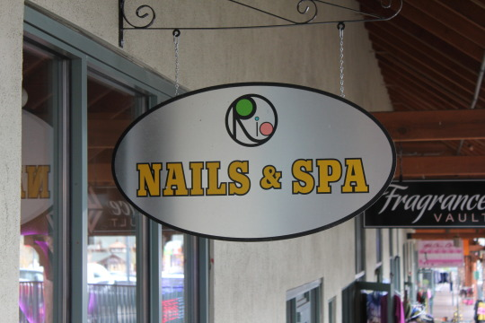 rio nails & spa sign